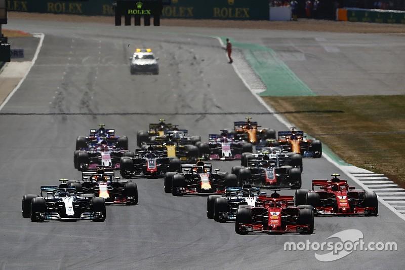 Ricciardo nézetéből, ahogy Räikkönen kiüti Hamiltont a Brit Nagydíjon