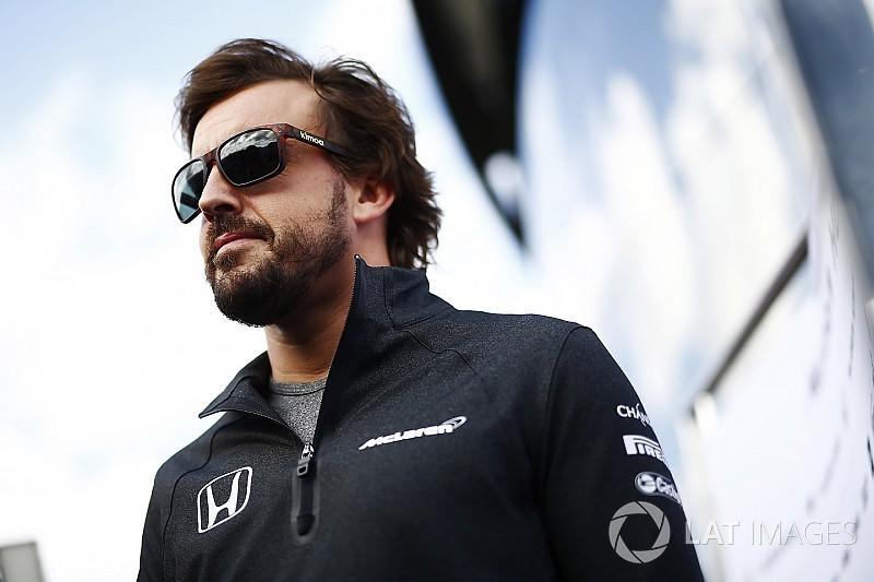 مكلارين تتوقع بقاء ألونسو في الفورمولا واحد عقب اجتماع سيلفرستون