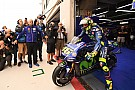 Rossi even in top-tien bij natte eerste training Aragon, P1 Marquez