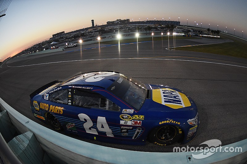 """Chase Elliott """"proud"""" to earn Rookie of the Year honors in Cup"""