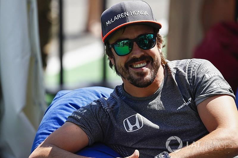 McLaren, Alonso'nun Singapur'da yarışmayacağını yalanladı