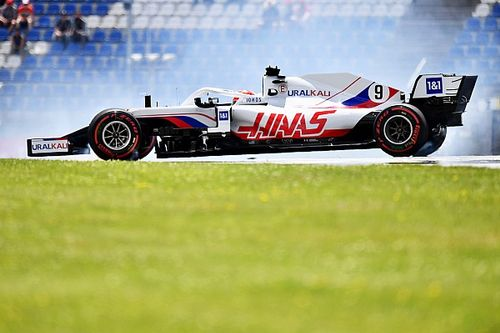 Haas F1 boss Steiner presents 'Mazespin' gift to Mazepin
