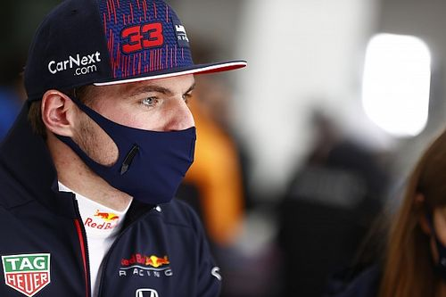 """F1: Verstappen xinga Hamilton de """"estúpido"""" e """"idiota"""" após treta em Austin"""