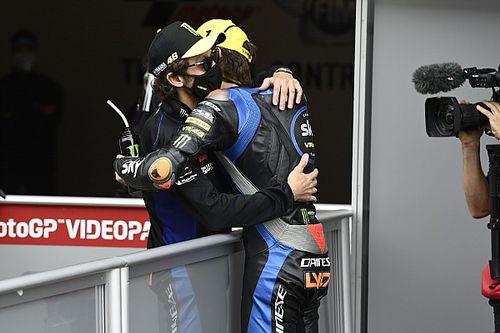 """Rossi scherza con Marini: """"Gli consiglio di restare in Moto2"""""""