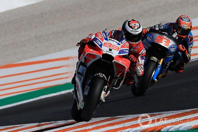 Valencia, Libere 2: Ducati ok con Lorenzo primo e Dovi terzo, cade Marquez