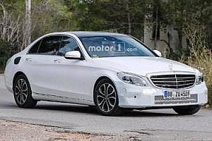 OTOMOBİL Son dakika Yenilenen Mercedes C-Serisi çok hafif kamuflajla yakalandı