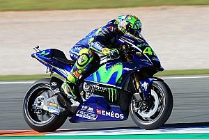 MotoGP Motorsport.com hírek Rossi nagyot esett a mai teszten - a 2018-as felkészülését hátráltatta