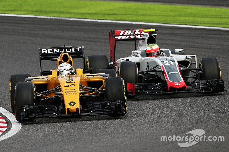 Magnussen receives offer to join Haas in 2017