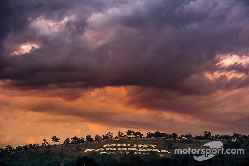 Watch lightning strike Mount Panorama ahead of Bathurst 12 Hour