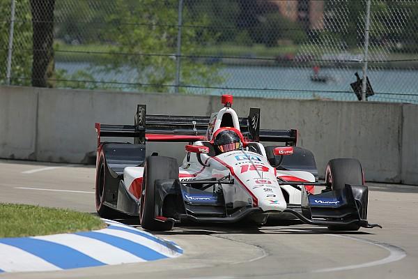 Castroneves lidera la segunda práctica en Detroit y Gutiérrez en 22º