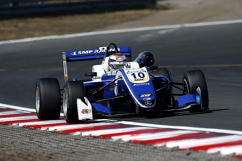 Шварцман уступил всем партнерам по Prema в первой гонке Ф3 в Зандфорте