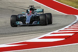 Hamilton blijft bovenaan in Austin, vijfde tijd Verstappen na motorwissel