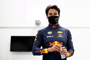 Todas las fotos de Pérez con Red Bull y su primera entrevista