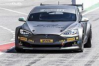 EPCS: Tesla in Rennversion an erstes Team ausgeliefert