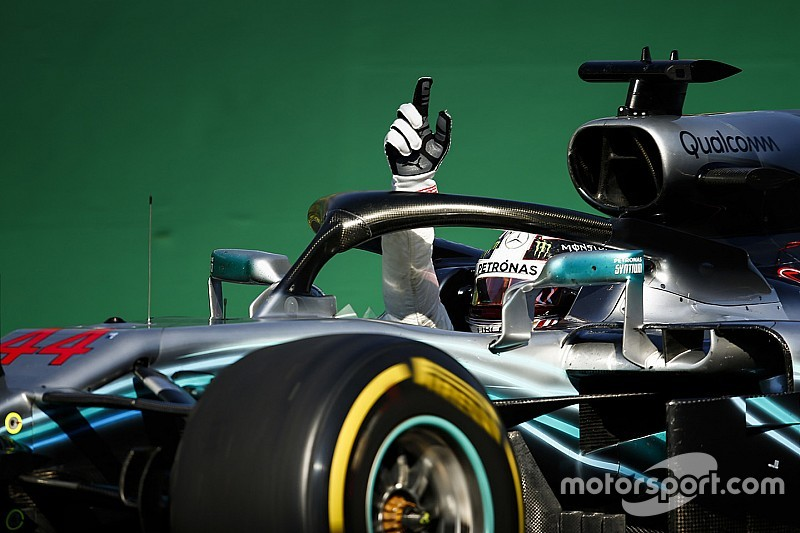 Hamilton não enfrenta dificuldades e vence na Hungria