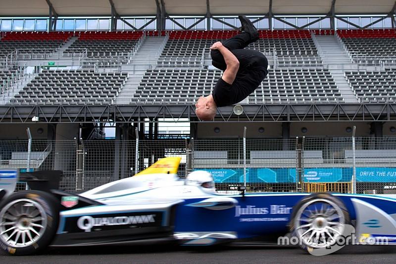 Video, così la Formula E si dà anche al… salto in lungo!