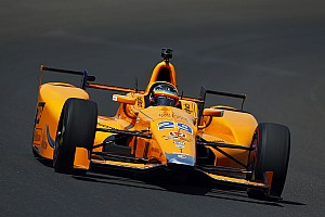 IndyCar Reporte de prácticas Alonso, en el top 20 en sus primeros libres de la Indy 500; Servià 11º