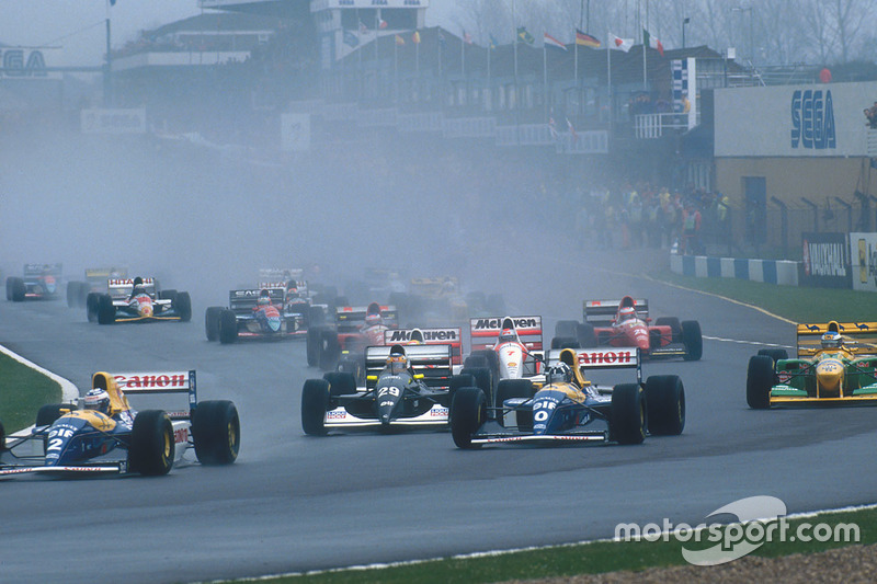 Alain Prost leads teammate Damon Hill, Williams FW15C, Karl Wendlinger, Sauber C12, Ayrton Senna, Mc