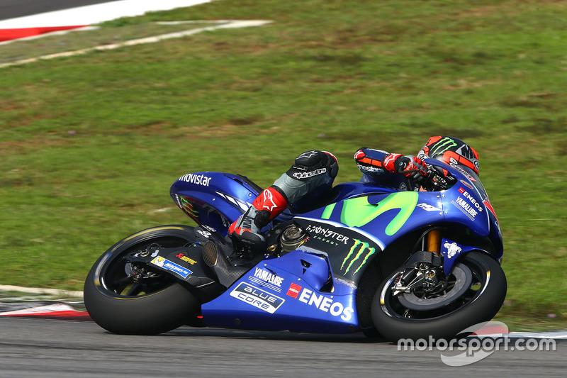 Maverick Viñales con la Yamaha YZR M1 del equipo oficial en Australia