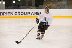 Valtteri Bottas, Mercedes AMG F1 plays ice hockey