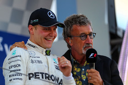 Valtteri Bottas, Mercedes AMG F1 celebrates on the podium, Eddie Jordan