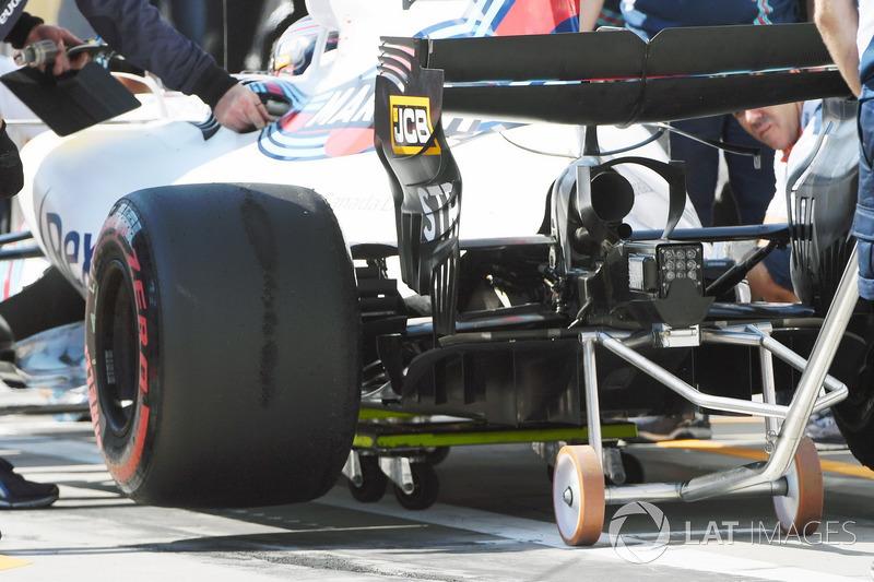 Williams FW40, Heck rea