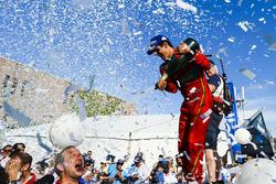 Lucas di Grassi, ABT Schaeffler Audi Sport celebra en el podio
