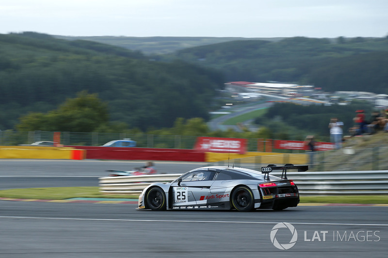 #25 Audi Sport Team Sainteloc Racing Audi R8 LMS: Маркус Вінкельхок, Крістофер Хаасе, Жюль Гунон