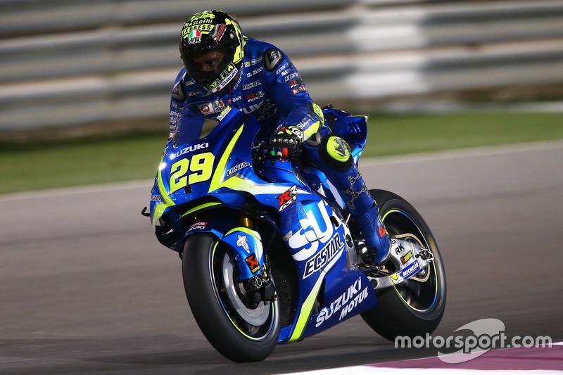 IAndrea Iannone, Team Suzuki MotoGP with Aerodynamic wing Suzuki fairing at Qatar March testing