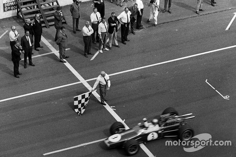 Jack Brabham, Brabham BT24 Repco, s'impose
