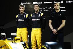 Гонщики Renault Sport F1 Нико Хюлькенберг и Джолион Палмер, Сергей Сироткин