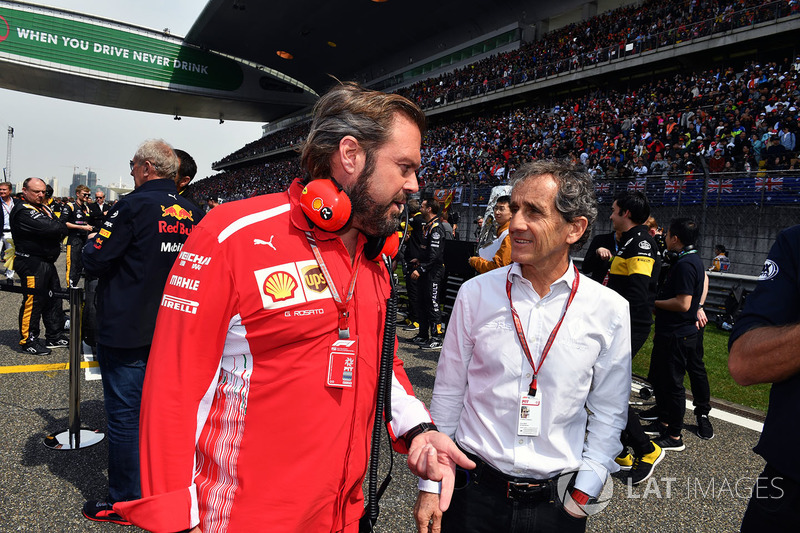 Gino Rosato, Ferrari and Alain Prost Renault Sport F1 Team Special Advisor on the grid