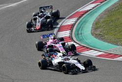 Sergey Sirotkin, Williams FW41, Esteban Ocon, Force India VJM11 and Romain Grosjean, Haas F1 Team VF-18
