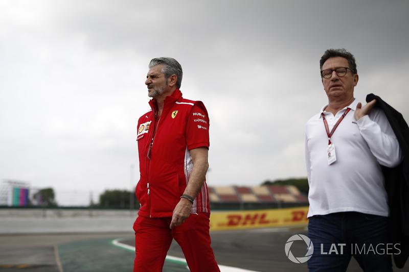 Maurizio Arrivabene, Ferrari Team Principal, Louis Camilleri, Chairman Philip Morris