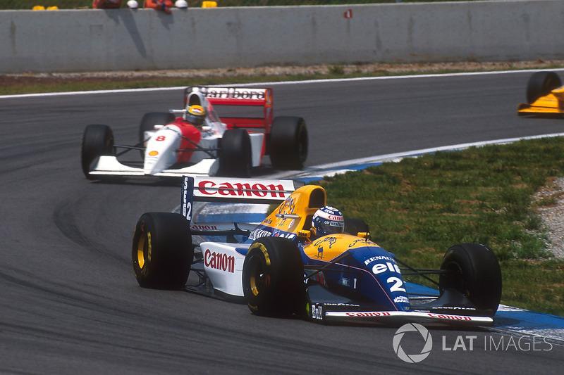 Prost, fue sacando ventaja ante un Senna que se acercaba a Hill