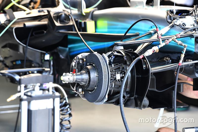 Freno delantero y eje del Mercedes-Benz F1 W08