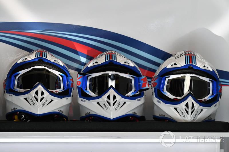 Шлемы механиков Williams