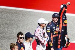 Daniel Ricciardo, Red Bull Racing, Max Verstappen, Red Bull, Esteban Ocon, Force India, Felipe Massa, Williams, Daniil Kvyat, Scuderia Toro Rosso, on the grid for the drivers parade