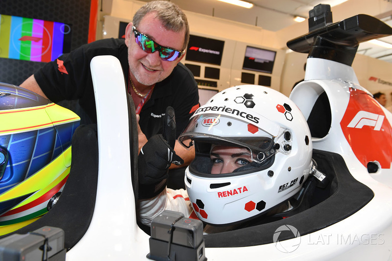 Paul Stoddart, dan penumpang F1 Experiences
