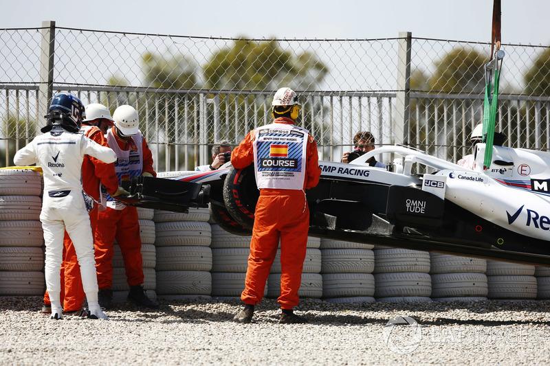 Lance Stroll, Williams Racing, tras su accidente en FP1