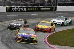 c18\, Martin Truex Jr., Furniture Row Racing Toyota, Joey Logano, Team Penske Ford
