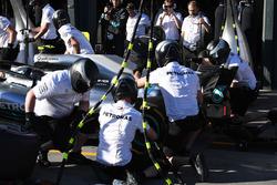 Arrêt au stand de Lewis Hamilton, Mercedes-AMG F1 W09