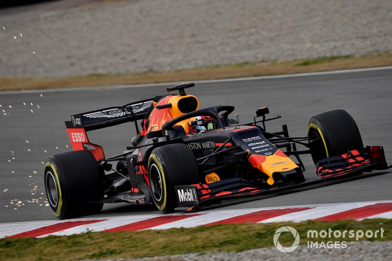 Pierre Gasly, Red Bull Racing RB15 fa scintille