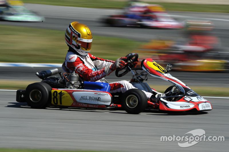 Leclerc, ya representado por Nicolas Todt (también representante de Massa, entre otros), compitió en kart hasta 2013. Ese año, fue subcampeón del mundo, superado solo por Max Verstappen.