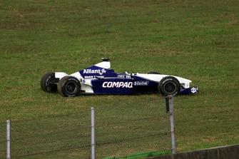 El coche dañado de Juan Pablo Montoya, BMW Williams FW23