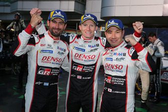 Les vainqueurs #7 Toyota Gazoo Racing Toyota TS050: Mike Conway, Kamui Kobayashi, Jose Maria Lopez