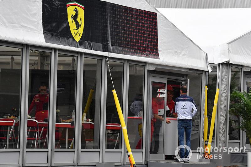Robert Kubica, Williams, mengunjungi Ferrari