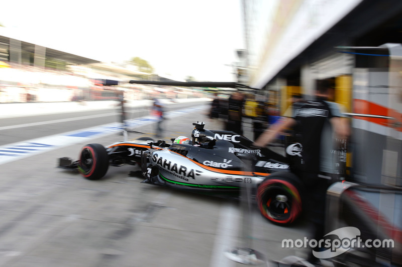Alfonso Celis Jr., Sahara Force India F1 VJM09 Development Driver leaves the pits