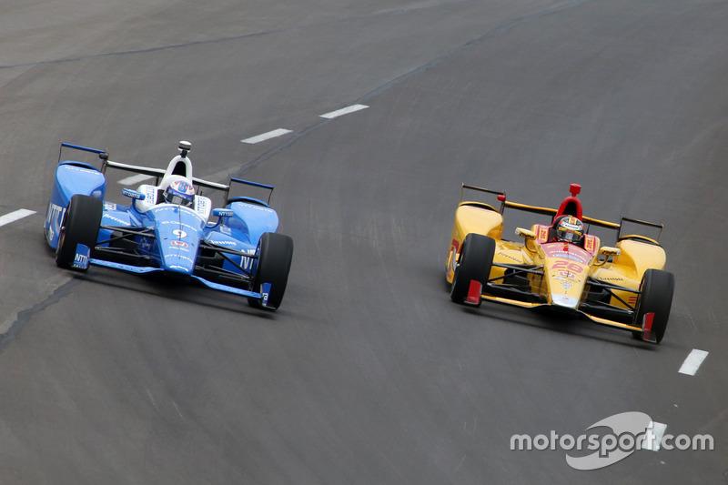 Скотт Диксон, Chip Ganassi Racing Honda, и Райан Хантер-Рей, Andretti Autosport Honda