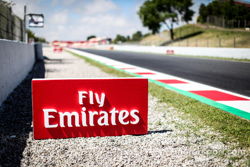 Fly Emirates signage